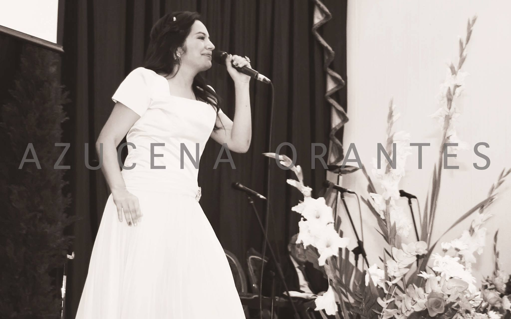 Azucena Orantes Cantante de Guatemala Cristiana